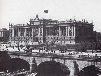 634px-Riksdagshus_1906.jpg